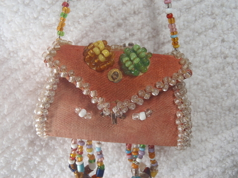 Rare Old Antique 19th Century- Late 1800's Native American Pink Beaded Souvenir Purse | Antiques & Vintage Collectibles | Scoop.it