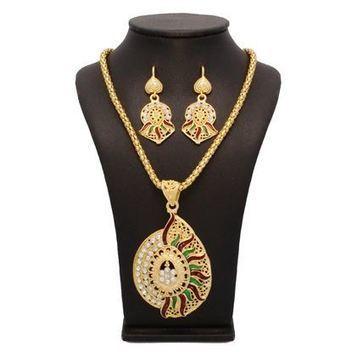 Stud Eye-catchy Pendant Set | Indian Jewelry Online | Scoop.it