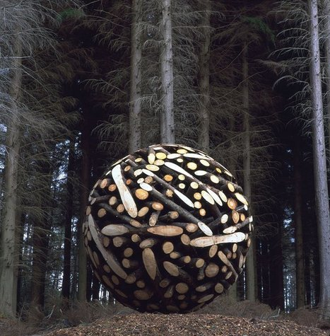 Colossal Wooden Spheres Made from Interlocking Wood | Curiosités planétaires | Scoop.it
