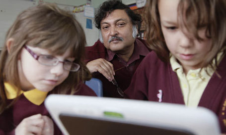 Can Technology Plug The Educational Divide? | An Eye on New Media | Scoop.it