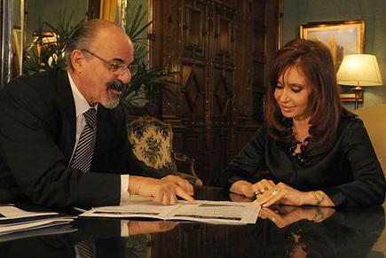 DEJARON de PAGAR la deuda y... ARGENTINA logra bajar el DESEMPLEO hasta el 6'6% | La R-Evolución de ARMAK | Scoop.it