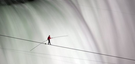 Nik Wallenda set two world records in walking on a high wire strung | Hafi News | websites | Scoop.it