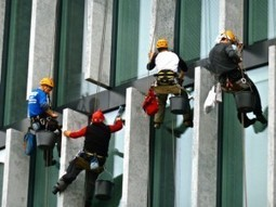 COMMERCIAL WINDOW CLEANING: MAKING THE TASK EASIER   embassycleaning.com   Scoop.it