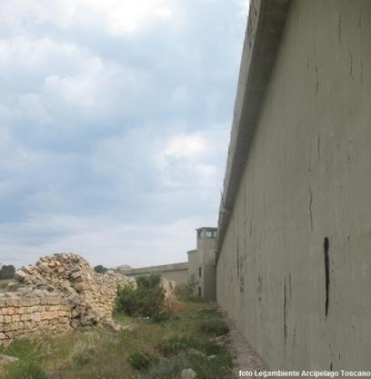 Sarà abbattuto il muro di Pianosa  Impegno della Regione sugli ecomostri | Gazzetta Elbana | Scoop.it