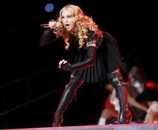 Madonna Dazzles With Slick Super Bowl Halftime Show OR DID SHE? | TonyPotts | Scoop.it