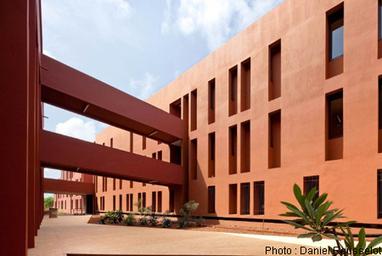 Grand prix de l'architecture française dans le monde: le lycée français Jean-Mermoz de Dakar primé | Du bout du monde au coin de la rue | Scoop.it