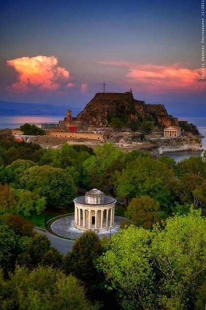 All things Hellenic ~ Ο Τόπος μας   Le monde by Directours   Scoop.it