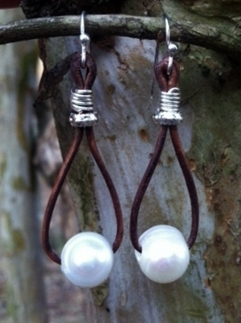 Pearls, Leather, Metal, Unique and Eclectic Style; Earth Boho Classy | AvendesoraArtJewelry - Jewelry on ArtFire | HandmadeArtJewelry | Scoop.it