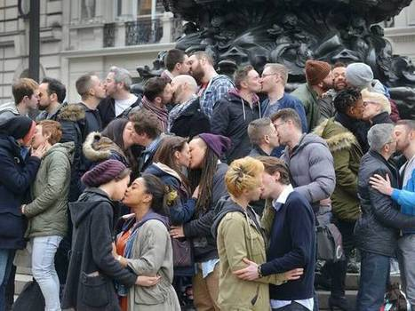 Couples kick-off LGBT campaign with public 'kiss-in' in London | LGBT Youth | Scoop.it
