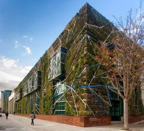 Un jardin vertical de 1500m² en Espagne   Salon Virtuel permanent dédié à l'immobilier et à l'habitat   Scoop.it