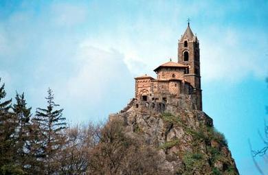 Chapelle Saint Michel de l'Aiguilhe, Le Puy en Velay, Auvergne | Le Tourisme en Haute-Loire | Scoop.it