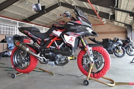 spider-grips-ducati | Sneak Peak! #43 Micky Dymond's Pikes Peak Multi! | Ductalk | Scoop.it