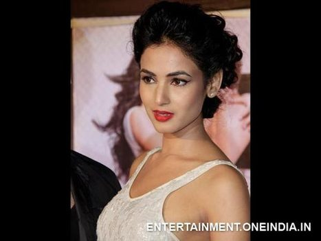 Bollywood Celebs Talk About Their Intimate Scenes   fashion girl   Scoop.it