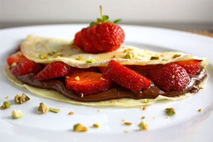 Comfort Food Gets a Makeover Pt. 2- Nutella Strawberry Crepes | Sima Says! | My Vegan recipes | Scoop.it