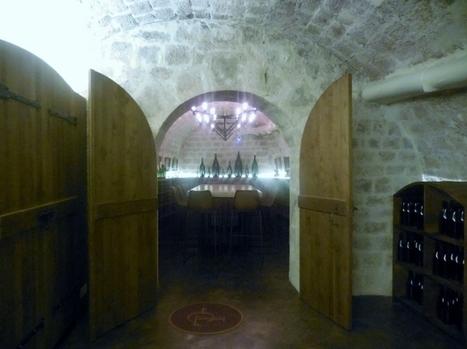 Les Caves du Louvre, une expérience sensorielle inédite autour du vin | Vin 2.0 | Scoop.it