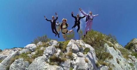 Roberta Mancino fête la Saint Valentin en base jump et tenue de soirée | meltyXtrem | sautenparachute | Scoop.it