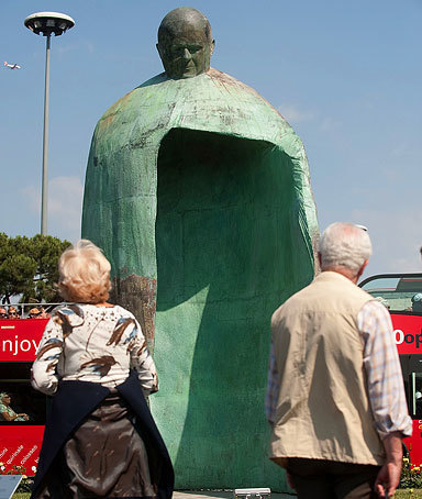 Quote of the Day: on the controversy in Italy over a new statue of Pope John Paul II | The Unpopular Opinion | Scoop.it