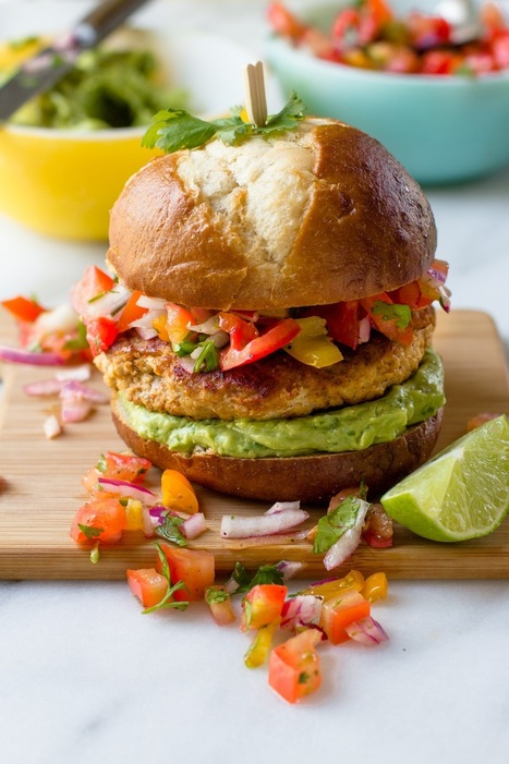 These Chicken Burgers Have a Smart Secret Ingredient — Delicious Links | ♨ Family & Food ♨ | Scoop.it