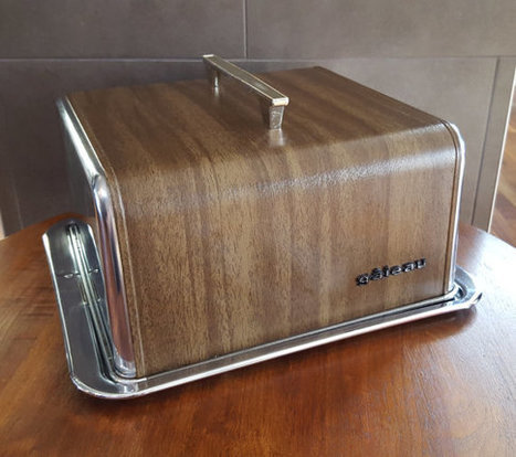 Mid Century-Faux Wood Grain Cake Carrier | whats been spotted on etsy today? | Scoop.it