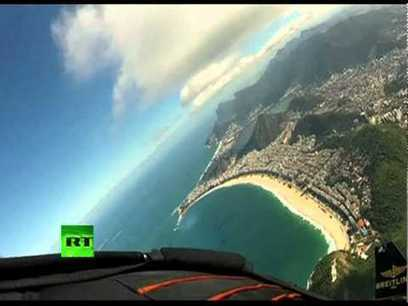 Spectacular video: 'Jetman' soars over Rio de Janeiro skyline | DirectPayBiz | Scoop.it