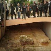 Ένας περίπατος στα Μακρά Τείχη και στις αρχαιότητες της οδού Πειραιώς   Ιστορία, Αρχαιολογία   Scoop.it