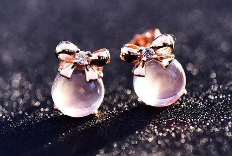 Naughty Crystal Earrings With a Little Bow - DearyBox | Jewellery On-line Boutique Shop | DearyBox.co.uk | Women's Earrings | Scoop.it