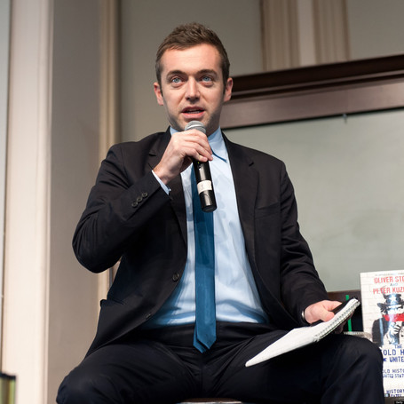 BuzzFeed Reporter Michael Hastings Dies In Car Crash At Age 33 | News in english | Scoop.it