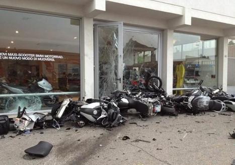 Lamborghini Murcielago crashes - CariGold Forum | Ductalk Ducati News | Scoop.it