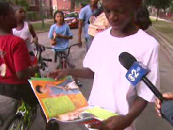 Group Gives Books To Englewood Families - CBS2 Chicago | Library | Scoop.it