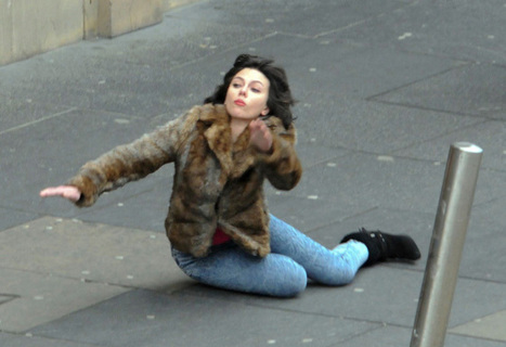 Scarlett Johansson Falls Down, Internet Takes Over   RRSS, Marketing & RRPP   Scoop.it
