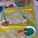 Spaghetti sensory play | Teach Preschool | Scoop.it