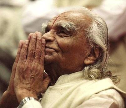 Un grand maître du yoga, BKS Iyengar, est mort à 95 ans - La Croix   yoga iyengar   Scoop.it