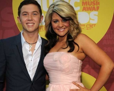 Scotty McCreery, Lauren Alaina + More Sign Items for Charity Auction - Taste of Country | American Idol | Scoop.it