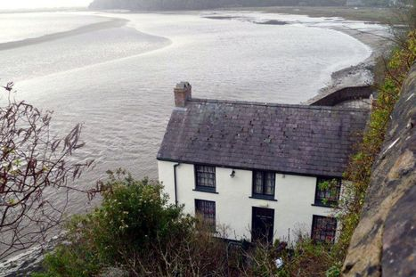 Charles and Camilla begin tour of Wales with visit to Dylan Thomas boathouse - WalesOnline | Browns Hotel, Laugharne | Scoop.it