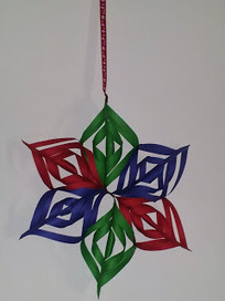 Help! I can't stop crafting: Christmas Craft: DIY - 3D Paper Snowflake   Christmas Craft   Scoop.it