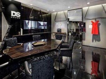 Tra tablet e social, apre a Milano la 'Digital Boutique' | Visual Merchandising Fashion Retailing | Scoop.it