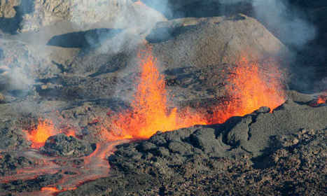 La Réunion: le piton de la Fournaise en éruption | ZeHub | Scoop.it