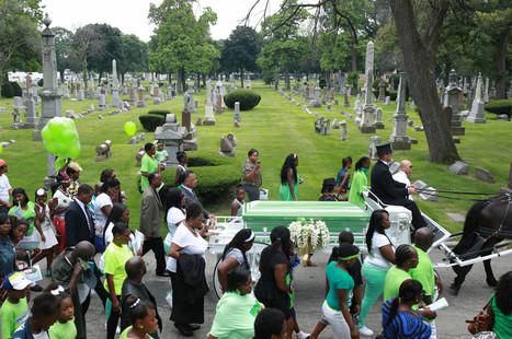 Hundreds gather at funeral for slain West Side 11-year-old - Chicago Tribune | Blogs About Google+ , Google, Twitter , LinkedIn, FaceBook, Skype | Scoop.it