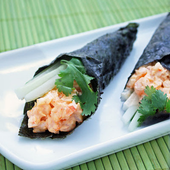 Spicy Shrimp Hand Rolls | The Man With The Golden Tongs Goes All Out On Health | Scoop.it