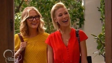 Disney muestra por primera vez ¡una pareja de lesbianas! - enelSHOW | Relaciones de pareja | Scoop.it