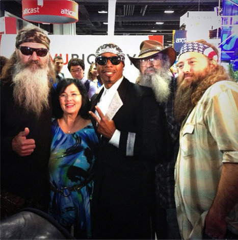 'Duck Dynasty' Cast Meets MC Hammer [Photo] | It's Show Prep for Radio | Scoop.it