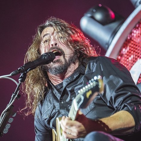 Dave Grohl Calls Out 'rich Motherf***ers' In Box Seats At Show | Deranged News | Scoop.it