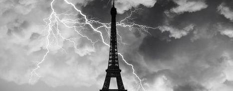 Insolite : un éclair frappe la Tour Eiffel - Météocity | Community Management | Scoop.it