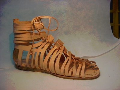 Millenary comfort by Lucina: wearing Ancient Romans shoes today | Le Marche another Italy | Scoop.it