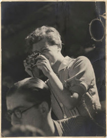 elrectanguloenlamano: GERDA TARO USED TWO DIFFERENT MODELS OF 35 MM LEICA CAMERAS WITH DIFFERENT LENSES BETWEEN MID FEBRUARY 1937 AND HER DEATH ON JULY 26 OF THAT YEAR | Photography - Fuji X, Nikon, Leica, technique | Scoop.it