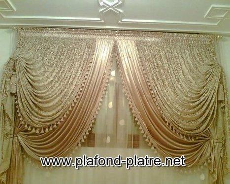 Rideaux de salon marocain oriental plafond pl - Image de rideaux de salon ...