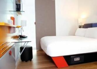 Hotels in Cardiff Near Central Railway Station on Tbeds | uk travel | Scoop.it