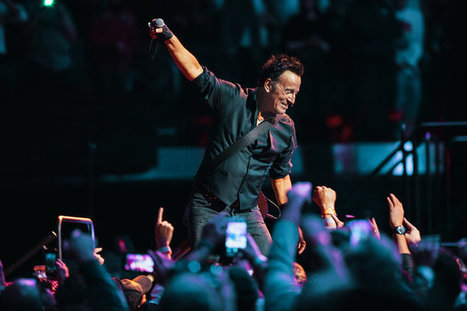 Review : Bruce Springsteen, Keeping an Eye on the Clock, at Madison Square Garden - NY Times | Bruce Springsteen | Scoop.it