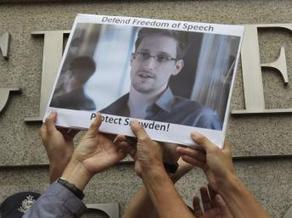 Edward Snowden, itinéraire d'un geek insaisissable - RFI | GeekBill | Scoop.it