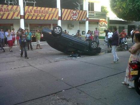 Twitter / Jairojime: Renault Symbol de placas QFF -927 de Santa marta se volcó en la carrera 19 con calle 7   Caribe Colombiano   Scoop.it